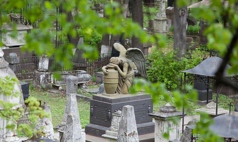 Ходить ли на кладбище на Пасху и Светлую седмицу?