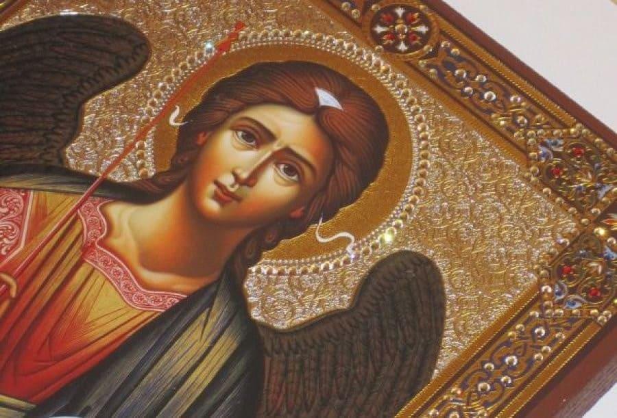 О чем напоминает Собор Архангела Михаила?