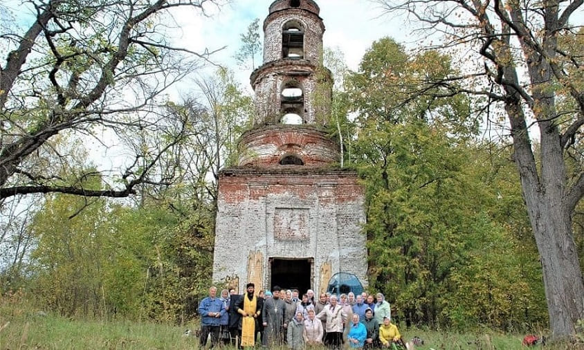Богослужение в Троицком храме на родине генерала Н.Ф. Плаутина