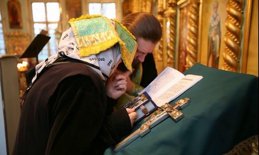 Какие ошибки может допустить на исповеди человек по отношению к священнослужителю?
