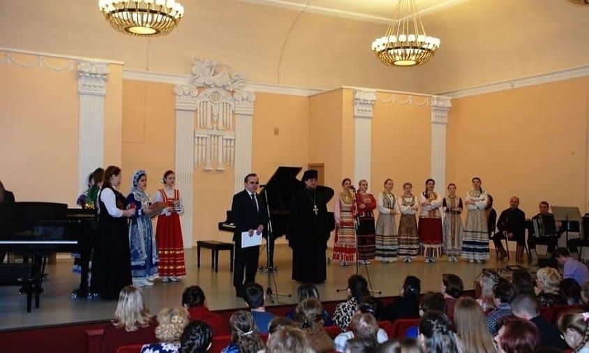 Закрытие XХ областного фестиваля детского творчества «Рождественский подарок»