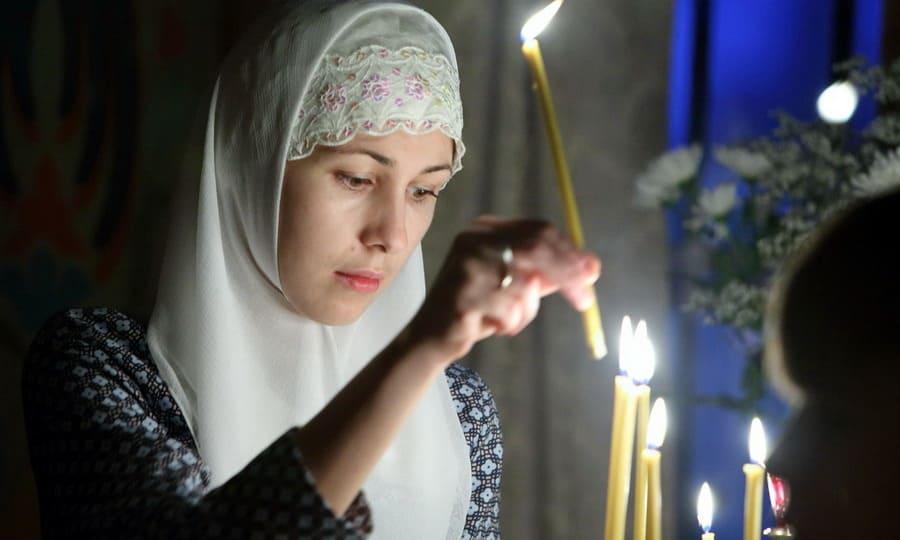 Она не знала косметики, но как сияло ее лицо! Ведь людей преображает добро и молитва