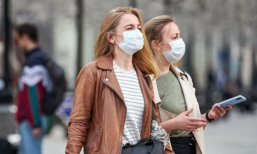 «На улице маска бессмысленна». Фтизиатр Анна Белозерова — о прогулках во время эпидемии