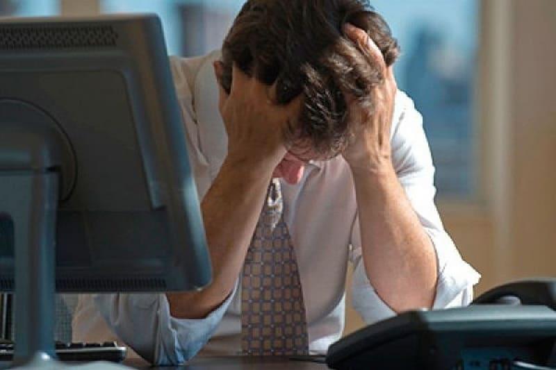Уныние и депрессия: где граница и как лечить?